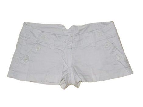Fehér rövidnadrág