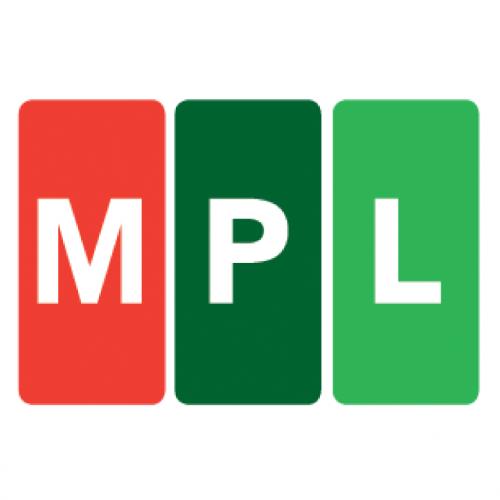 MPL csomagautomatába.